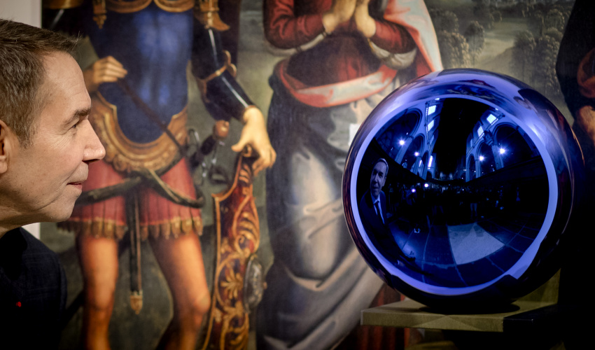 Gazing Ball_Jeff Koons