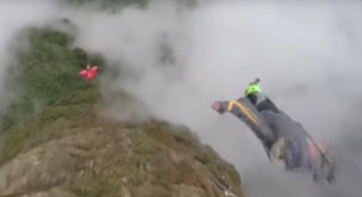 WK wingsuit Foto YouTube
